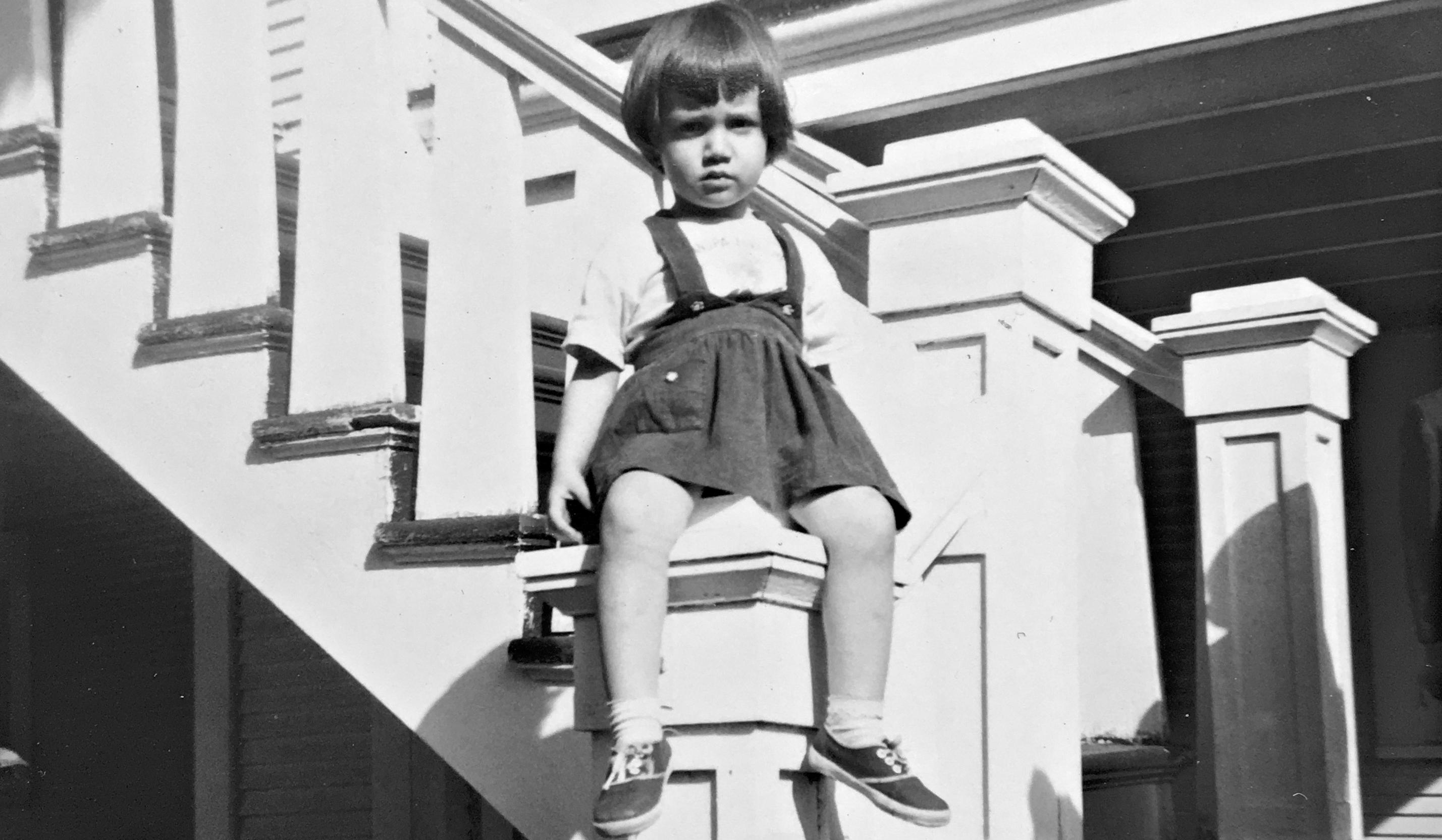 Mi mamá en su primera casa de la calle Marengo